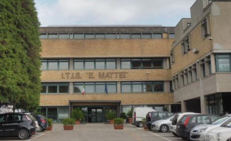 """Istituto Scolastico I.I.S. """"E. Mattei"""" di Recanati (MC)"""