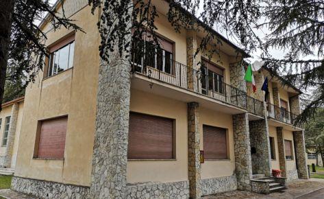 """Direzione didattica e Palestra della scuola primaria dell'Istituto comprensivo """"G. Binotti"""" di Pergola (PU)"""